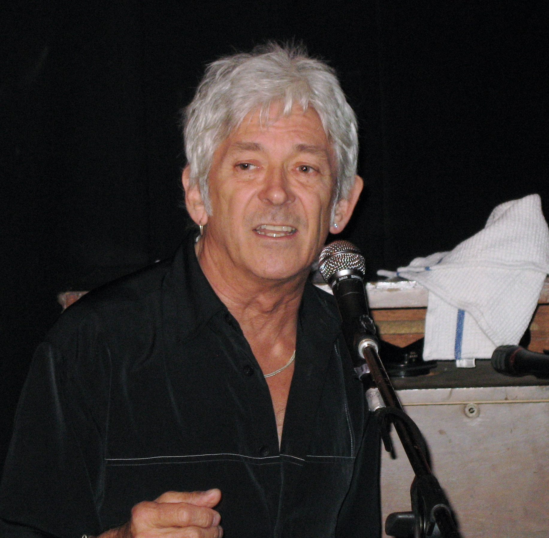 Yes - It's Ian McLagan at the Railway!